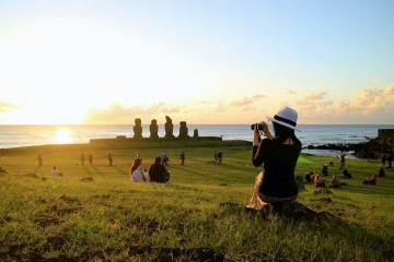 Khám phá bí ẩn về Đảo Phục Sinh - hòn đảo xa xôi nhất thế giới