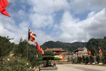Du lịch Lạng Sơn tham quan chùa Tân Thanh nổi tiếng linh thiêng vùng biên ải