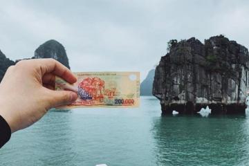 Chiêm ngưỡng đỉnh Lư Hương nổi tiếng được in trên tờ 200.000 đồng