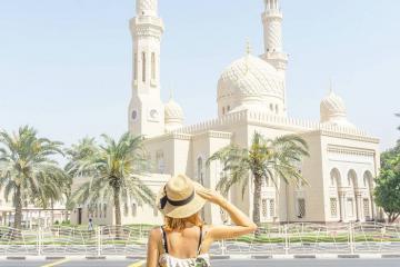 Nhà thờ Hồi giáo Jumeirah - công trình tôn giáo mang tính biểu tượng ở Dubai