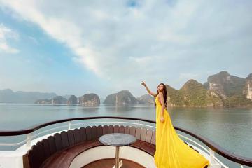 Tư vấn chọn thời điểm du lịch Hạ Long đẹp nhất, thỏa thích tắm biển và vui chơi