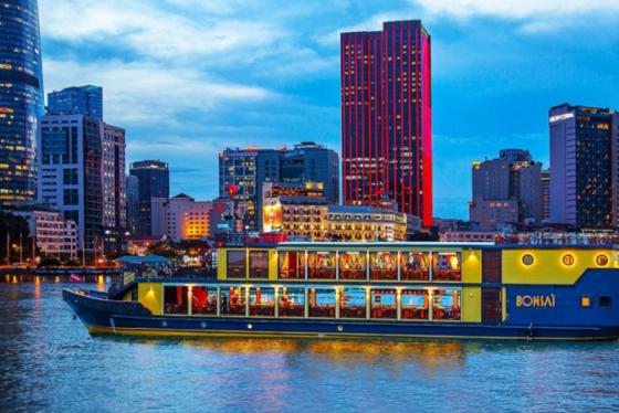 Kinh nghiệm chọn du thuyền ăn tối trên sông Sài Gòn siêu vui và lãng mạn