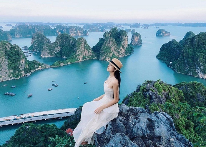 Interesting experiences when traveling to Ha Long - check-in Bai Tho mountain