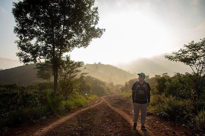 Du lịch Trekking Tà Đùng xuyên rừng
