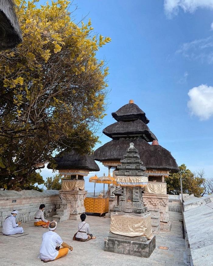 Hướng dẫn tham quan đền Uluwatu