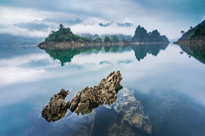 Scenery at Na Hang Lake