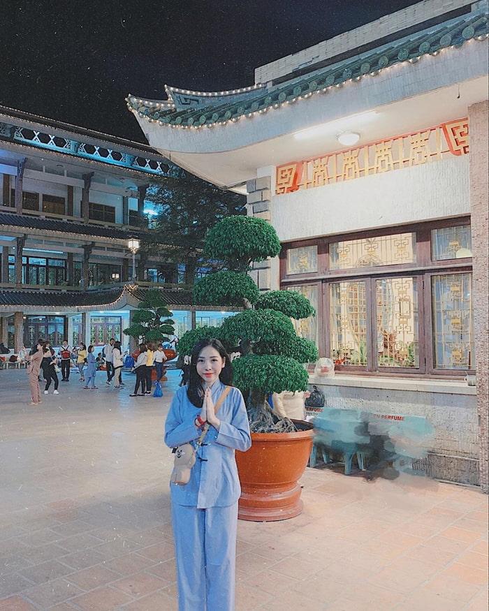 Danh sách chùa ở Châu Đốc - Viếng chùa Bà Châu Đốc