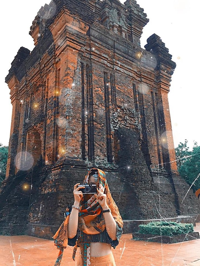 Visit the Nhan Tower of Phu Yen to learn interesting things