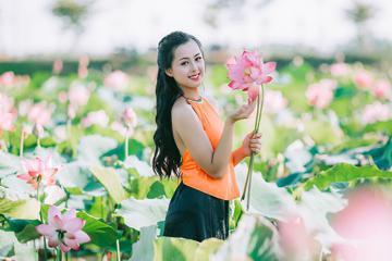 Du lịch Huế đón mùa sen nở đẹp nao lòng người