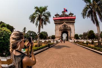 Những điểm đến tâm linh ở Lào bạn không thể bỏ qua