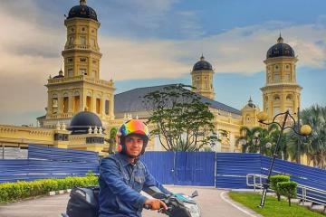 Thánh đường Hồi giáo Sultan Abu Bakar - địa điểm dulịch nổi tiếng của Johor Bahru Malaysia