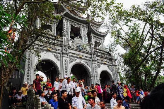 Khám phá đền Tiên La – Thái Bình