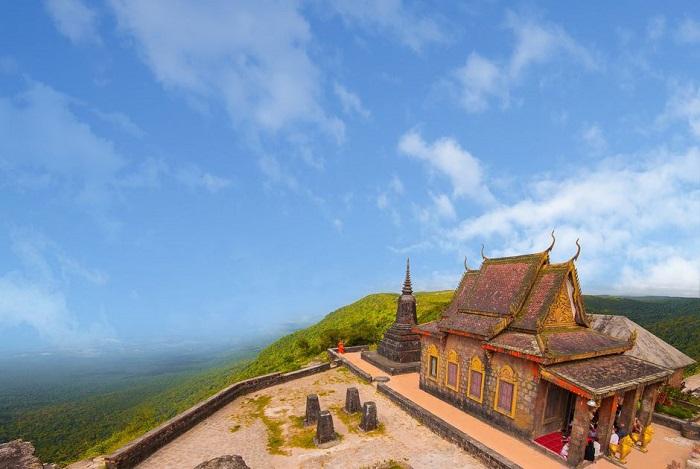 chùa Năm Thuyền Campuchia
