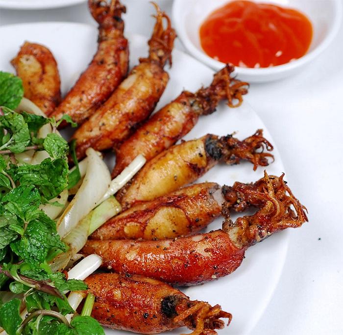 The famous Nam Du specialties you should not miss