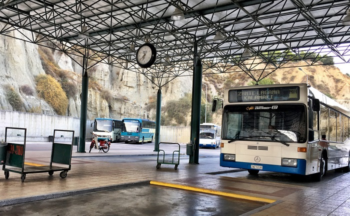 kinh-nghiem-du-lich-Zakynthos-hy-lap-bus