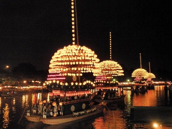 Hòa mình vào các lễ hội đèn lồng Nhật Bản nổi tiếng