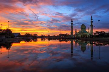 Ngắm hoàng hôn nhiệt đới đầy mê hoặc tại những điểm đến ấn tượng ở Brunei