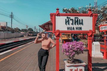 Sống ảo mỏi tay tại ga xe lửa Hua Hin Thái Lan