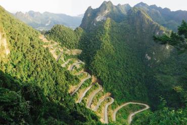 Trải nghiệm đèo 14 tầng khúc khuỷu bậc nhất vùng Đông Bắc