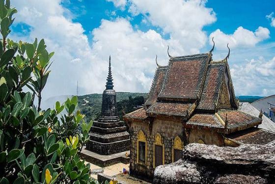 Khám phá những điều kỳ bí về chùa Năm Thuyền Campuchia