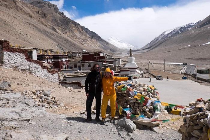 Từ tu viện Rombuk nhìn thấy Trại Everest Base Camp - Du lịch Shigatse