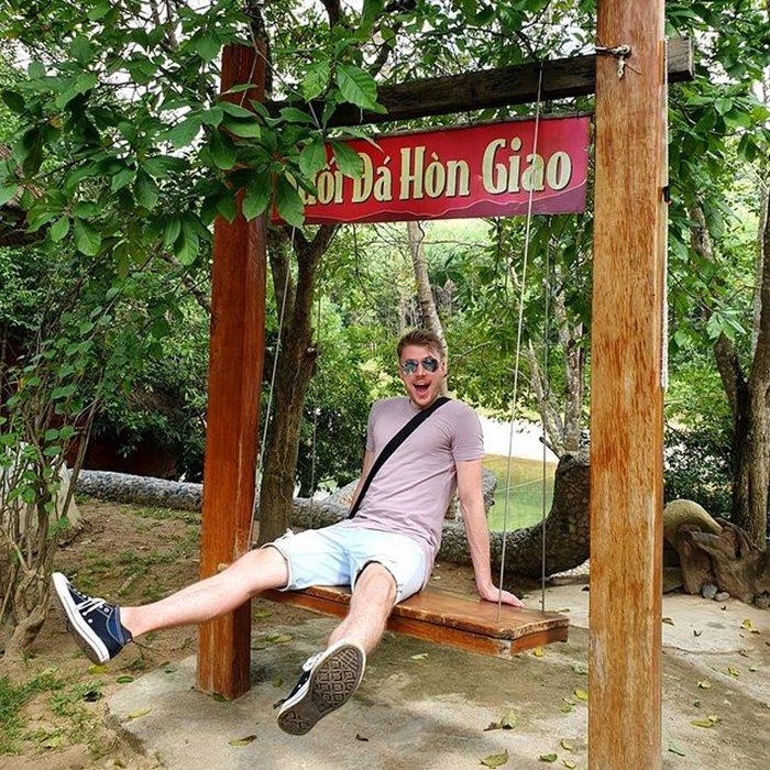Hon Giao rock stream