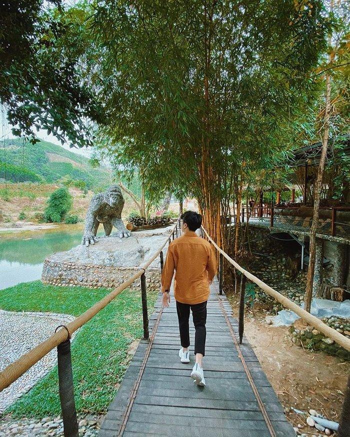 Hon Giao rock spring tourism