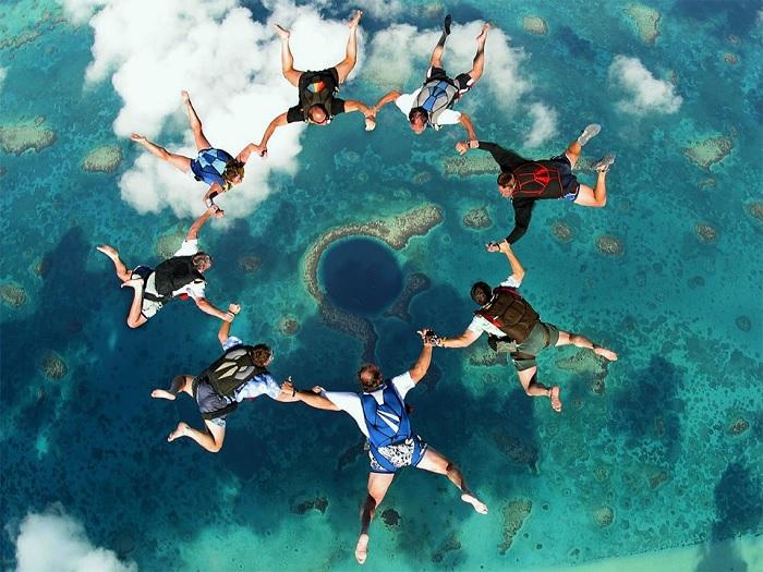 Great Blue Hole là hố biển lớn nhất trên thế giới
