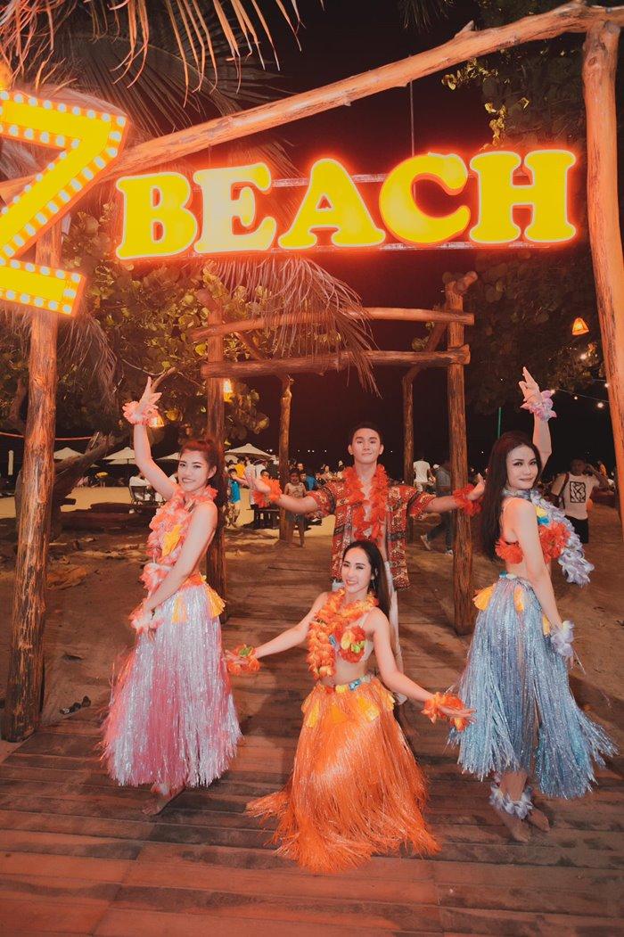 Z Beach Nha Trang at night