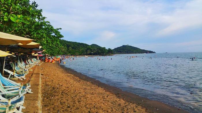 8 bãi biển đẹp ở miền Tây - Bãi cát nâu đậm
