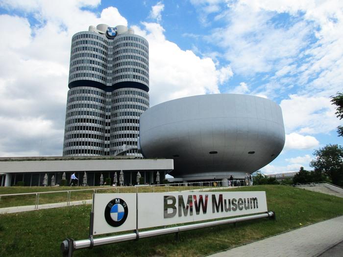 Bảo tàng BMW - Bảo tàng xe hơi ở Đức