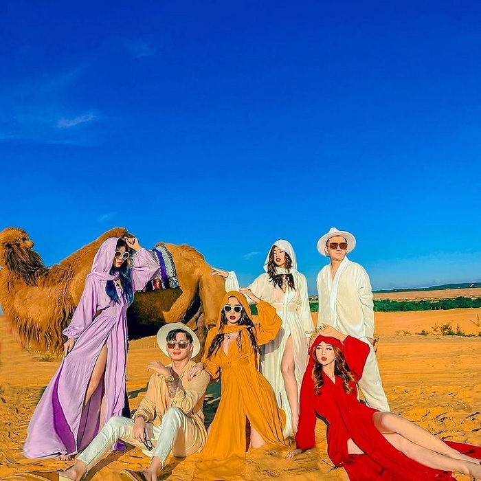 Brilliant costumes - photography tips with Beautiful Sand Dunes in Binh Thuan