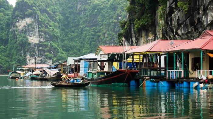 Các làng chài ở Hạ Long - làng chài Cống Đầm