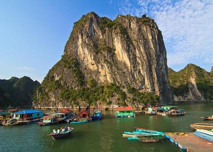 Các làng chài ở Hạ Long - làng của Cửa Vạn nổi tiếng