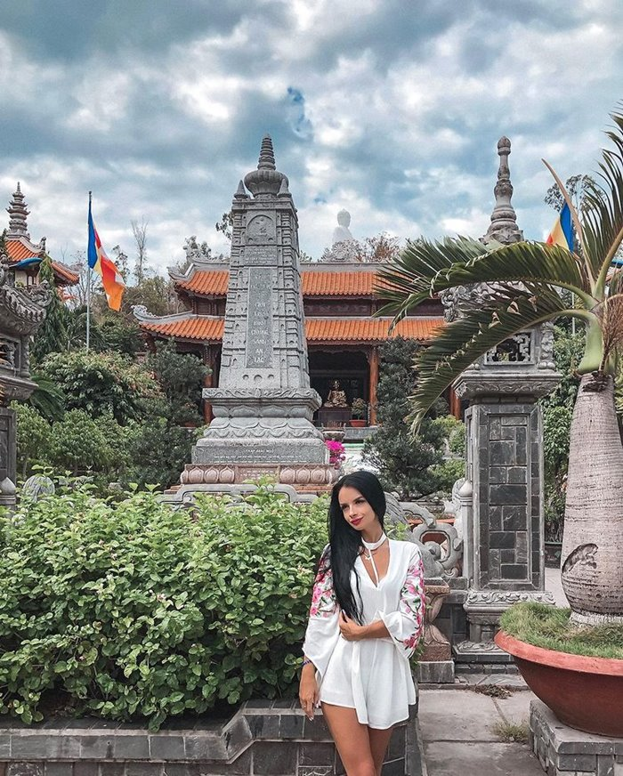 Traveling to Long Son Pagoda