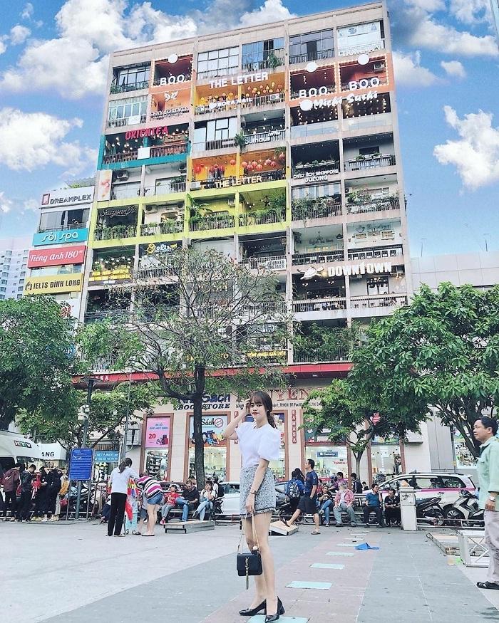 Nguyen Hue walking street apartment - explore