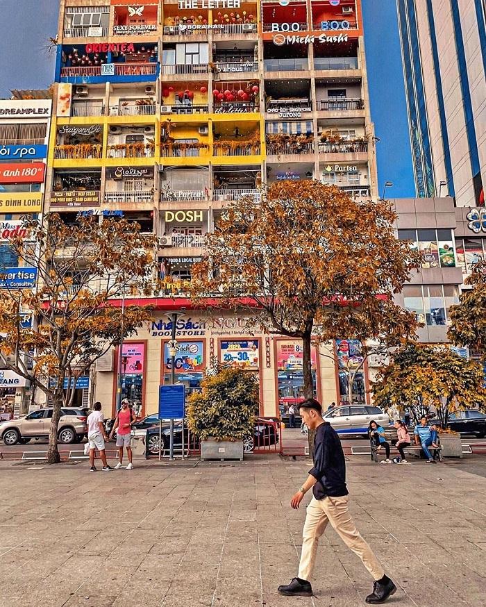 Nguyen Hue walking street apartment - where?