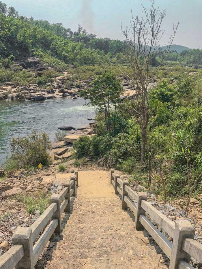 Tien Phuoc tourist destination - The way down