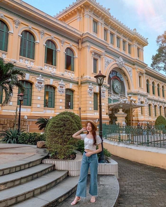 địa điểm chụp ảnh ngoại cảnh ở Sài Gòn- bưu điện thành phố