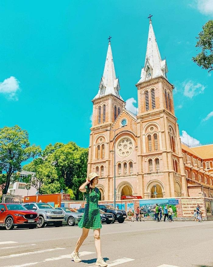 địa điểm chụp ảnh ngoại cảnh ở Sài Gòn- nhà thờ Đức Bà