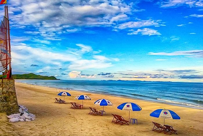 Son Hao beach - where