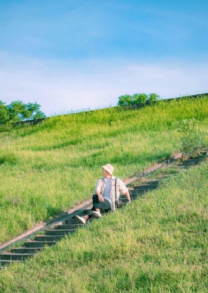 Ngoc Thuy reed grass dyke tourism