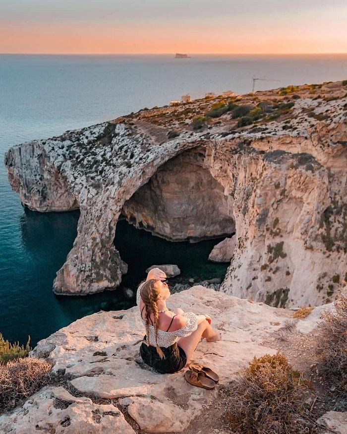 Blue Grotto là một địa điểm du lịch nổi tiếng ở Malta - Du lịch Malta