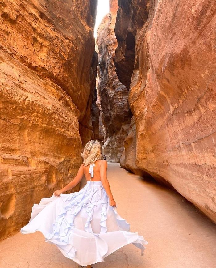 Hẻm núi đường vào Petra - Du lịch Petra Jordan