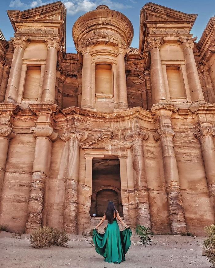 Các lăng mộ và đền thờ là nơi không thể bỏ qua khi bạn đến thăm nơi đây - Du lịch Petra Jordan