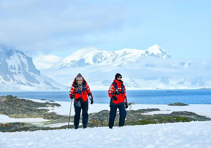 Khám phá những kỳ quan ở Nam Cực - Du thuyền Nam Cực