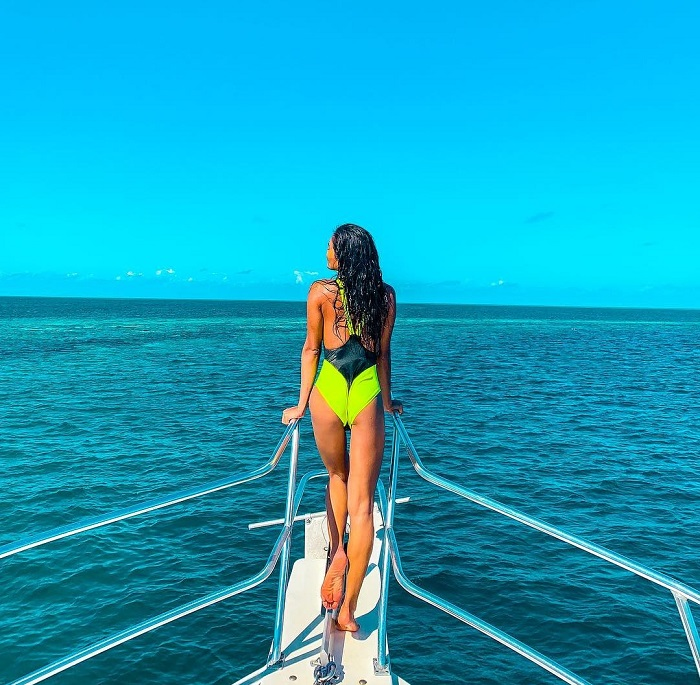 Đi tàu trên vùng biển Belize - Great Blue Hole
