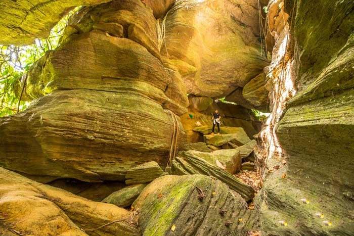 Tien Phuoc tourist destination - Bat cave