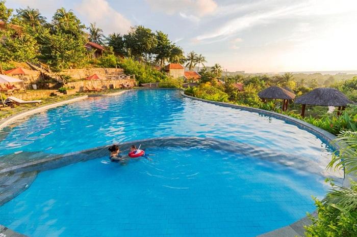 Những homestay sân vườn ở Phú Quốc - Daisy Resort bể bơi