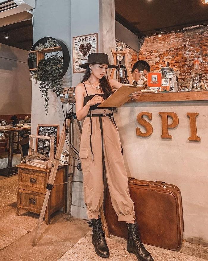 đồ cổ - nét thu hút của tiệm cà phê xuyên không Đài Loan